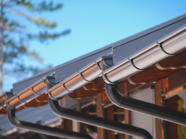 LA County Rain Gutter Specialists Offer 7 Telltale Signs that Show You Need Gutter Replacement